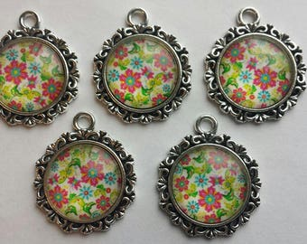 5 Antique Silver Pendant Kits with Blank Pendant Trays and Floral Glass Cabochon Inserts 18mm DIY