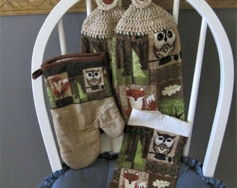 2 Crocheted Hanging Kitchen Towels with Oven Mitt and Dishcloth - Woodland Charm
