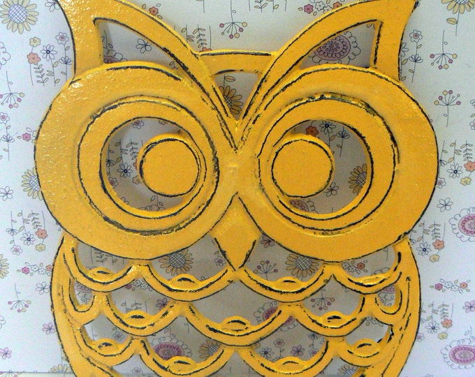 Cast Iron Owl Trivet Yellow Shabby Chic Woodland Kitchen Hot Plate Home Decor