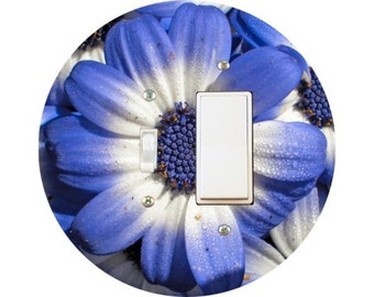 Blue Daisy Flower Toggle and Decora Rocker Switch Plate Cover