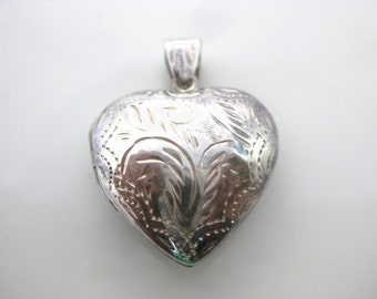 Vintage Sterling Silver Heart Locket - Floral Silver Heart 925 - Women Keep Sake - Sterling Heart Locket Pendent  - Valentines Day Heart