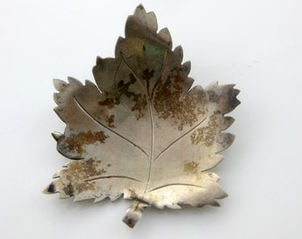 Vintage Sterling Silver Maple Leaf Brooch Pin