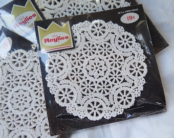 Vintage Roylies Paper Doily Assortment New in Package 102 Doilies 5 and 6 Inch