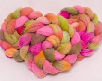 Hand painted roving, Hand dyed roving, 100g, Polwarth, Hand Painted top, roving, fiber, Hand dyed spinning wool, Floriana