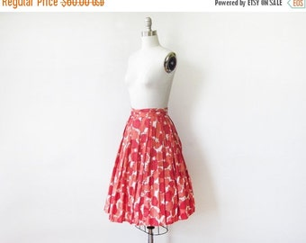 SALE 50s floral skirt, vintage 1950s floral print skirt, full cotton skirt, 22 w