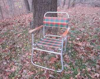 Vintage 1950s/60s Folding Aluminum Lawn Chair with Wood Arm Rests and Colorful Sturdy Vinyl Upholstery