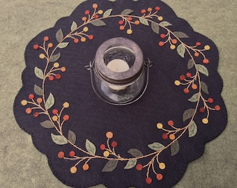Bittersweet or Winterberry Wreath Table Mat /Christmas Candle mat /Holiday Table Centerpiece