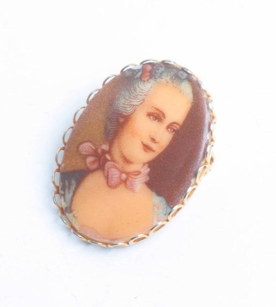 Porcelain Transfer Brooch Portrait Marie Antoinette Vintage