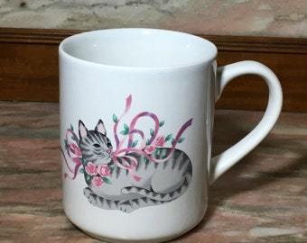 Vintage TABBY CAT Mug 80s Gray Striped Kitty Pink Ribbons Roses