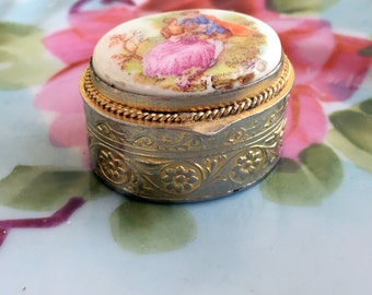 Vintage Courting Couple Porcelain Pill box Shabby Vintage