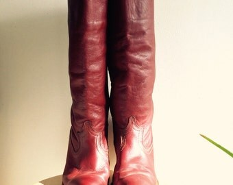 Tall Heeled Western Style Boot // Size 9 // Vegan