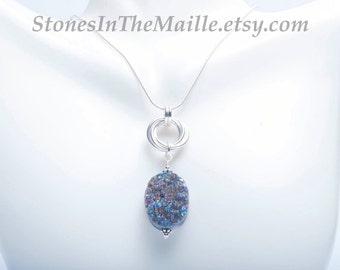 Druzy Agate Pendant Necklace - Druzy Stone - Infinity Knot - Chainmail Chainmaille Pendant Necklace - Druzy Agate Stone - Sterling Silver