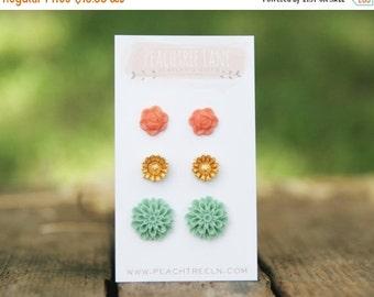 SALE Seafoam Mint Green Mum Flower Earrings >> Gold Daisy Flower Earrings << Coral Peach Rose Earrings >> Bridesmaid Flower Earrings Wedding