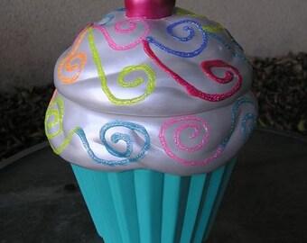 Beginning & End 3-D Marshmallow Sparkling Candy Swirls Delight Cupcake Jar