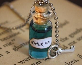 ON SALE Alice in Wonderland Drink Me Vial Necklace - Drink Me Necklace - Alice Costume - Halloween Jewelry