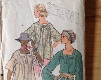 Vintage Vogue 9229 Blouse in Two Versions