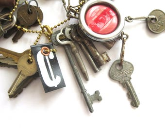 20 vintage keys Old odd keys Mixed keys Collection of keys Old skeleton key Sewing machine key Old odd keys Mixed Skelton keys Bit keys #4