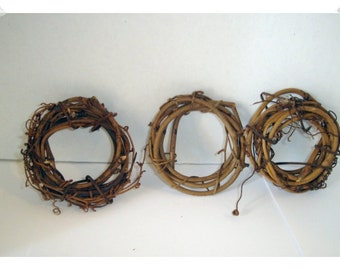 Set of 3 Vine Wreaths/3 inches/Craft Supplies*
