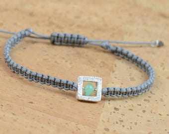 Emerald and sterling silver bead  bracelet