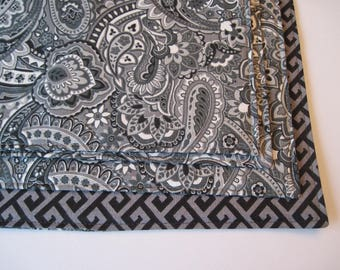 Gray and Black Placemats Set of 4 or 6 Reversible Gray Paisley Placemats Gray Greek Key Placemats Grey Kitchen Decor Gray Black Table Decor