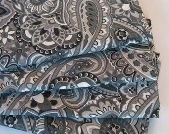 Gray Paisley Napkins set of 4 or 6 Gray Fabric Napkins Set Gray and Black Napkins Neutral Gray Napkins Gray Table Decor Gray Kitchen Linens