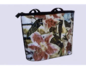 BUCKET BAG - FLORAL - Grand Size.  Shown in Pink Lilies Image.