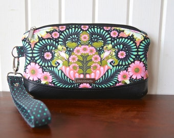 Clematis Wristlet in Tula Pink Slow and Steady tortoise print with black faux leather