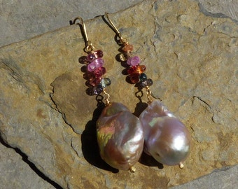 Earrings, 18 ct gold, precious stones and freshwaterpearls: IMPORTANT, French vat is included,off 20% for US and canadian buyers
