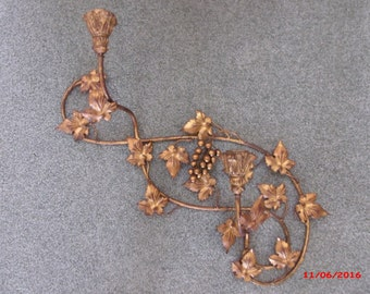 Hollywood Regency Grape Italian Tole Florentine Wall Sconce