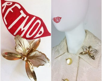 Nice Vintage Silver Iris Floral Pin Brooch