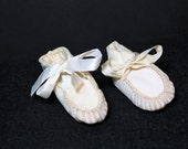 1920's Antique Vintage Doll Shoes, IDEAL White Leather Doll Shoes, Leather Doll Booties, Leather Doll Moccasins