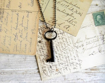 Key Necklace, Antique Key Necklace Seampunk Style Jewelry Vintage Asseblage Key Jewelry Necklace Key Charm Old Key Charm Necklace Antique