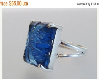 ON SALE Pretty Vintage Sterling Carved Glass Ring