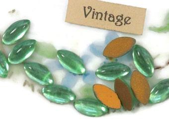 Vintage Peridot Navettes Rhinestones Cottage 10x5mm Flat Back gold Foil Green Navette Cabochons  (1307K )