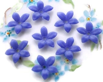Vintage Flower Beads, Lucite flowers,18mm Flowers, Matte Blue flower beads, Violet flowers,Posey Beads,Vintage findings,Bead Caps #714