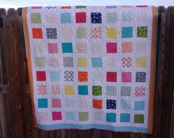 WEEKLY DEAL - Color Spike Lap Quilt