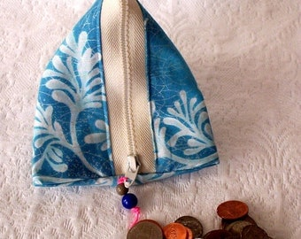 Small Accessory Case, Triangle Pod Purse, Zip Pouch, Fabric Pyramid shaped pouch, Coin Purse, Snack Bag, Small Change Purse, Humbag Bag
