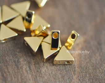 10pcs 24K Gold plated Brass Triangle Beads Charms 7mm, lead nickel free (GB-017)