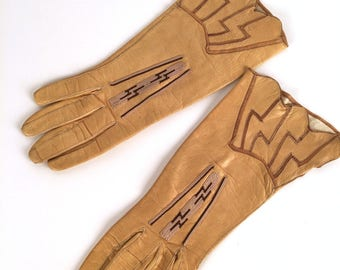 Vintage 20s Art Deco Driving Gloves, Lightning Bolt, Zig Zag, Tan, Brown Beige, Embroidered, Leather, Size 5 3/4, Label: Wear Right Gloves