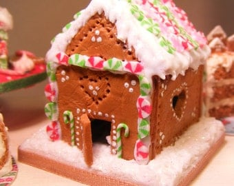 12th Scale Doll House Christmas Gingerbread Cottage