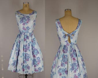 1960s Vintage Dress / 60s Polished Cotton  Tie Back Floral Sundress