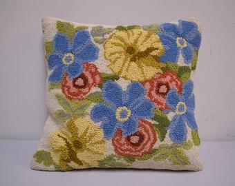 "VINTAGE Handmade Hooked Wool Flower Floral Pillow 15"" x 15"""