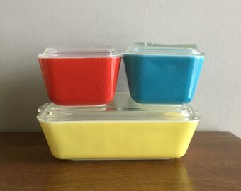 pyrex primary refrigerator jars with lids complete