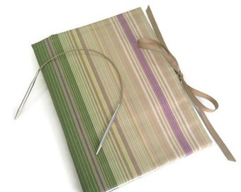 Circular Knitting Needle Organizer Green Stripe Fabric Needle Case 12 Pockets Multiple Needle Storage Book Fold Grosgrain Ribbon Closure