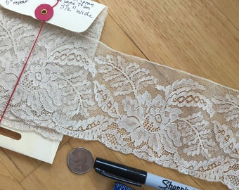 2 1/2 yards Vintage polyester Nude Flat Trim. Floral Spray. 3 1/2 inches wide.  Costume/dress/sewing/lace/bridal