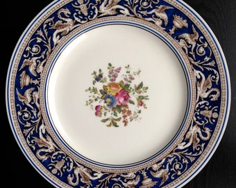SEVEN WEDGEWOOD FLORENTINE Dark Blue Floral Center Dinner Plate Hand Painted 1960's