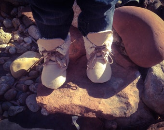 Winter Baby Boots | 6-9 Month Size | Sherpa & Tan Suede | Free Shipping in the US