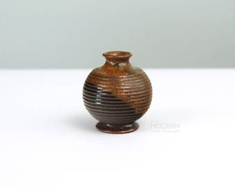 Robert Maxwell Ceramics Tiny Ridged Bulbous Stoneware Vase