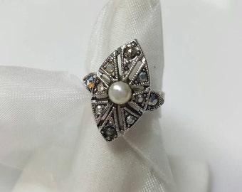 Sarah Coventry Illusive 1975 silver tone ring