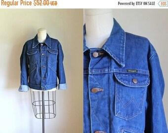 40% OFF anniversary sale vintage 1970s denim jacket - WRANGLER indigo jean jacket / sz 40